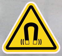 ISO W006 Strong Magnetic Field Warning Labels